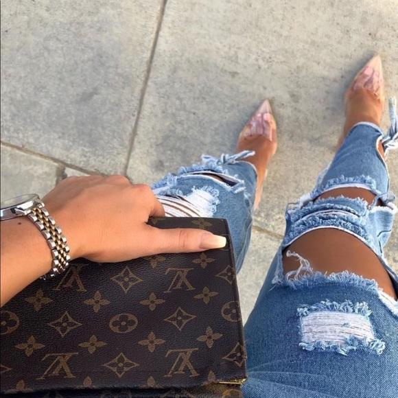 8bb1b8ae4e78 Louis Vuitton Handbags - Louis Vuitton Toiletry Pouch 26 Price Firm